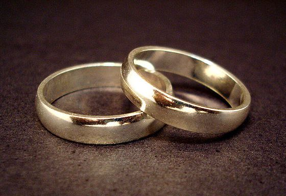 File:1205609063 Wedding rings.jpg