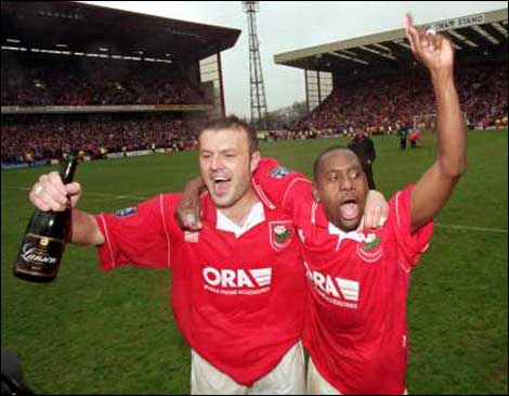 File:Neil redfearn clint marcelle celeb 470x365.jpg