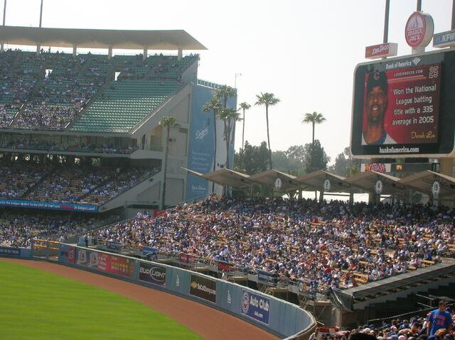 File:Dodger Stadium-1195663752-510.jpg