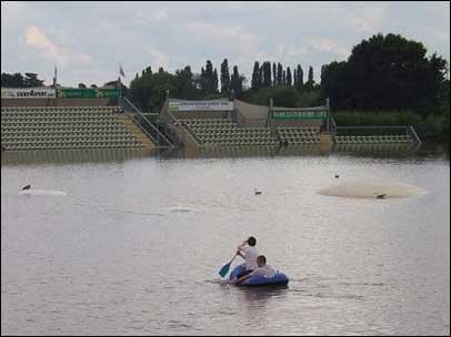 File:Worcester Flood.jpg