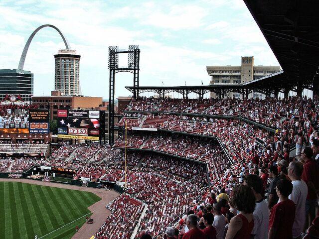File:Busch Stadium-1195659555-428.jpg