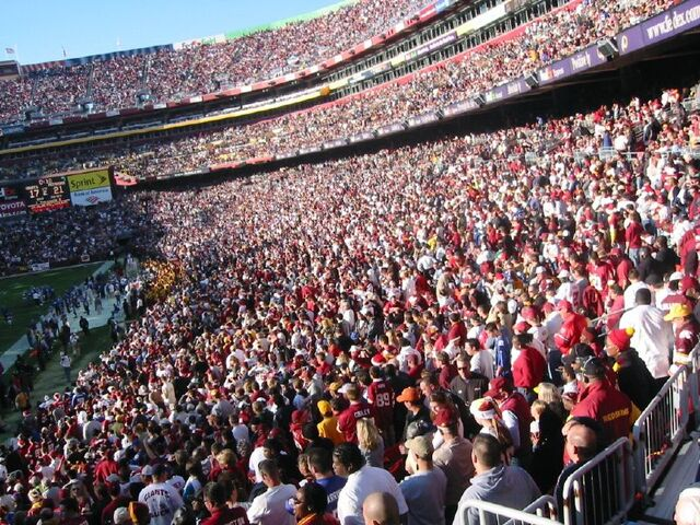 File:FedEx Field-1195774742-950.jpg