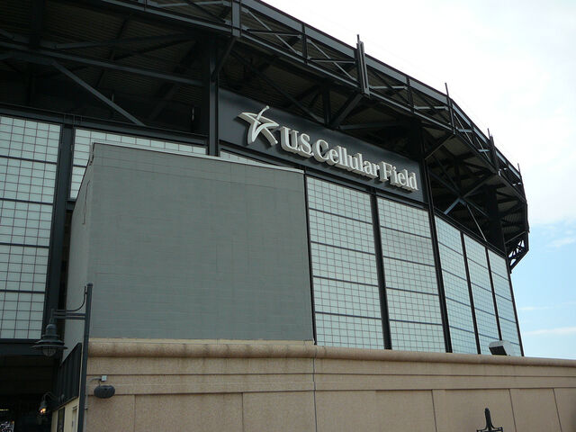 File:U.S. Cellular Field-1195687539-781.jpg