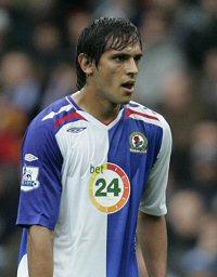 File:Player profile Roque Santa Cruz.jpg