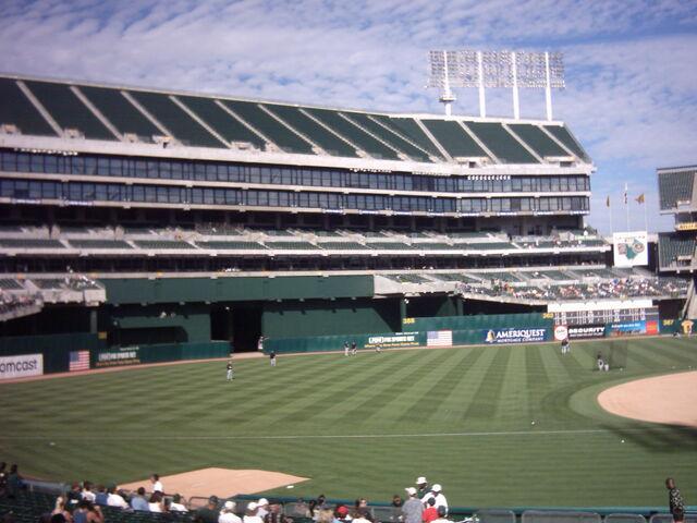 File:Oakland Athletics-1199768497-100.jpg