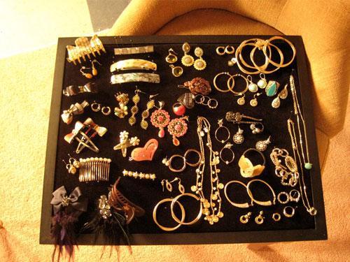 File:SFTS JewelryBox 0.jpg