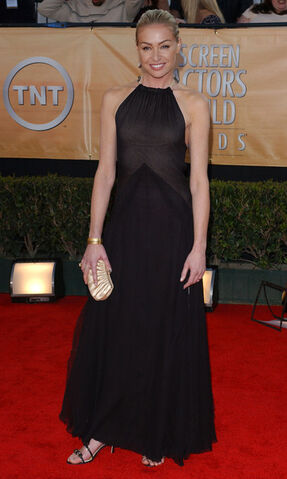 File:2005 SAG Awards - Portia de Rossi 02.jpg