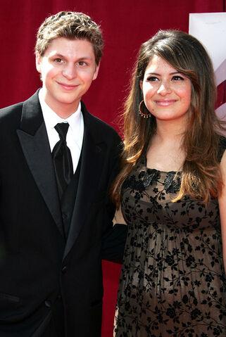 File:2005 Primetime Emmy Awards - Michael Cera and Alia Shawkat 01.jpg