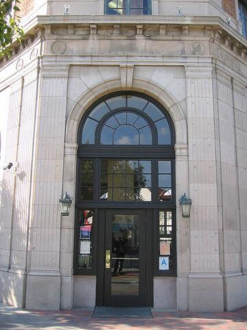 File:The Culver Hotel, Culver City.jpg