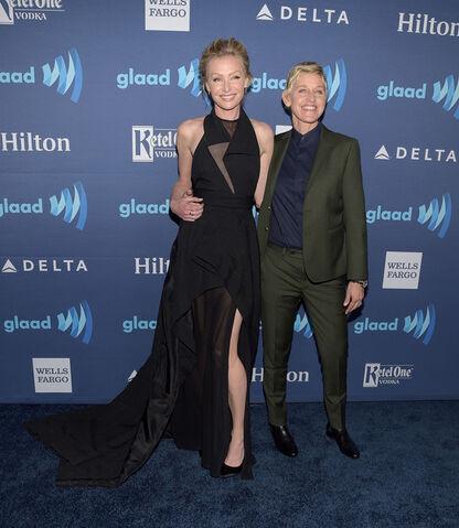 File:2015 GLAAD Awards - Portia and Ellen 1.jpg