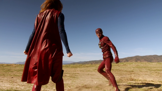 File:Supergirl and The Flash meet.png
