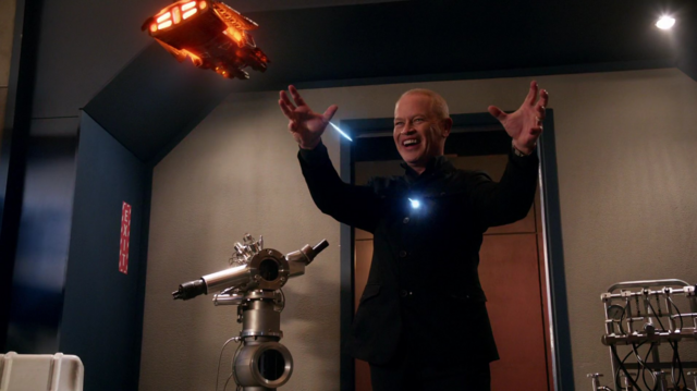 Archivo:Darhk being attacked by the Waverider.png