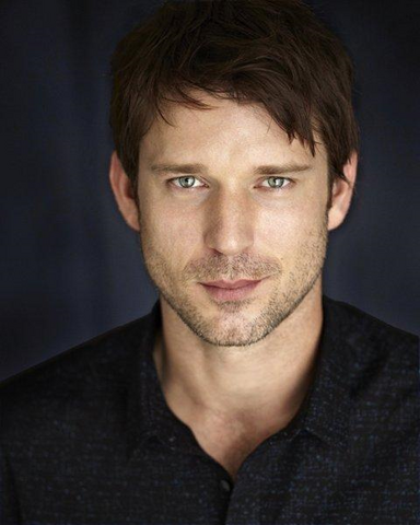 Archivo:Wil Traval.png