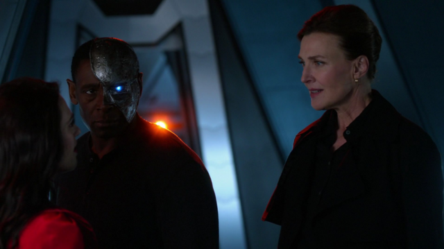 File:Lena and Lillian reunite on the Daxamite ship.png