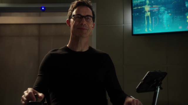 File:Eobard meets Barry.png