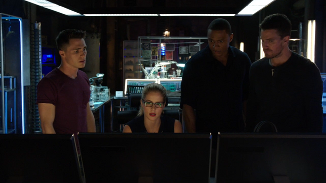 File:Roy, Felicity, Diggle and Oliver in the Arrowcave.png