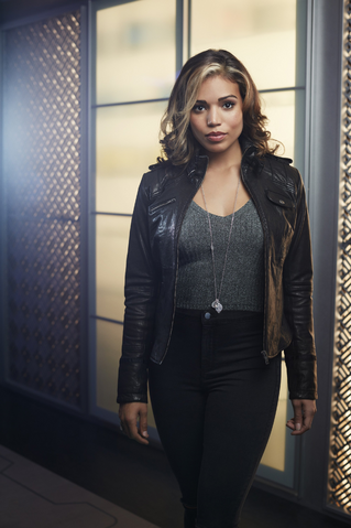 Archivo:DC's Legends of Tomorrow - Kendra Saunders character portrait.png