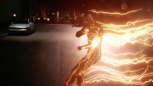 File:The Flash generating a lightning bolt.png