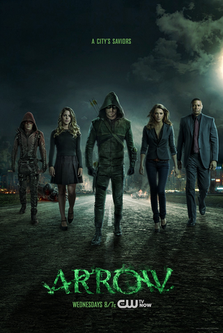 Arquivo:Arrow season 3 poster - a city's saviors.png