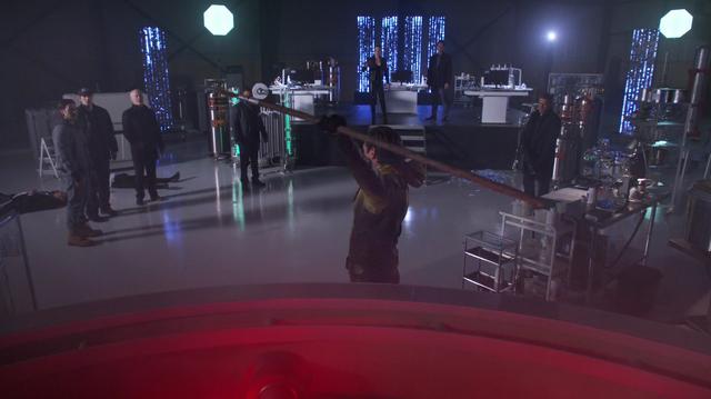 File:Eobard destroys the Spear of Destiny.png