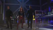 Kara, Mon-El and J'onn arrive to stop Rhea's portal