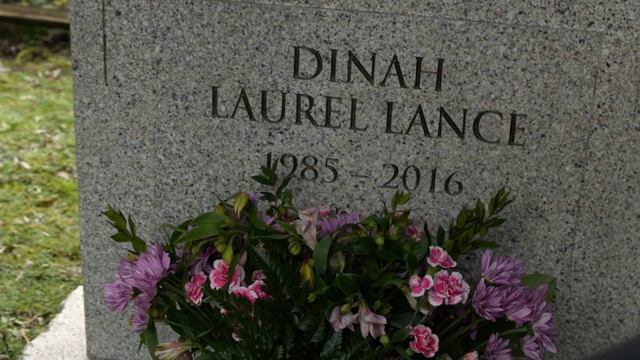 File:Laurel's grave.png