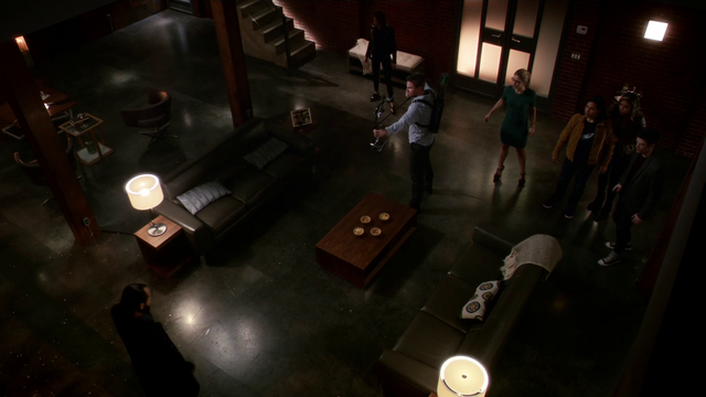 File:Team Arrow and Flash face off against Vandal Savage.png