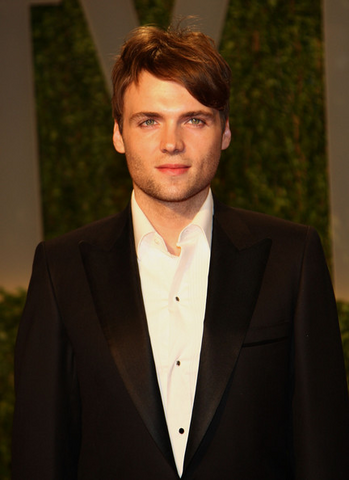 File:Seth Gabel.png