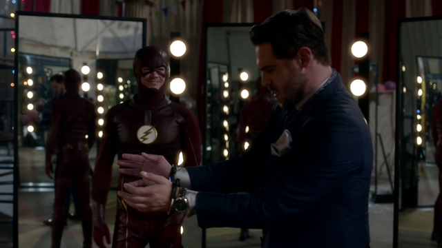 File:Sam Scudder handcuffed after being trapped in a circle of mirrors.png