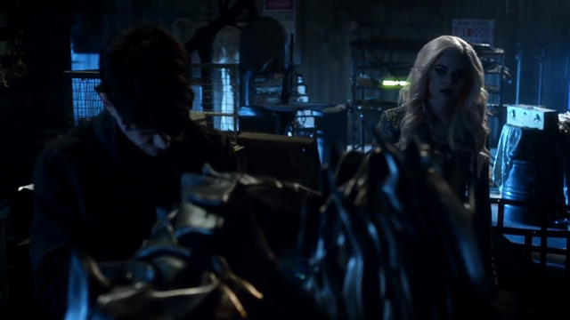 File:Savitar and Killer Frost.png