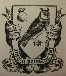 Fowlfamily crest