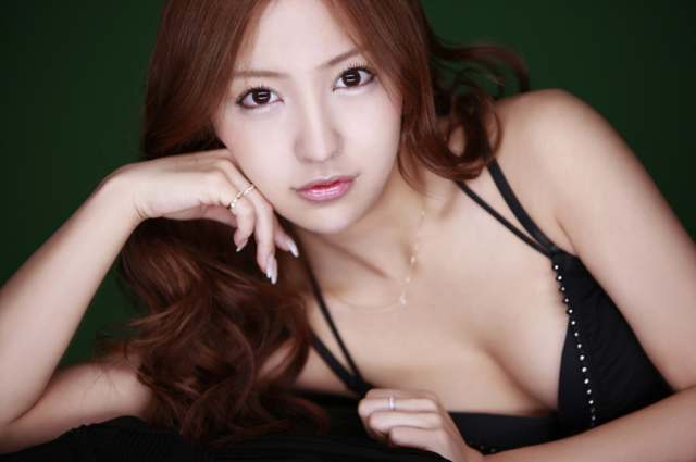 File:AKB48 Itano Tomomi 板野友美 Wallpaper 2.png