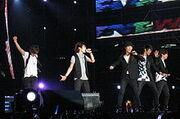 220px-SHINee live in BKK2