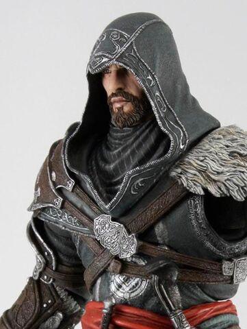 File:Ezio Revelations sneek.jpg