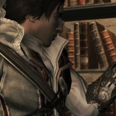 Ezio bewondert het mes.
