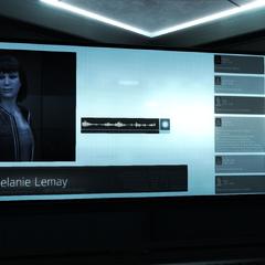 梅兰妮与地堡内的分析员取得联系
