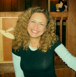 File:Jeannie Elias.png