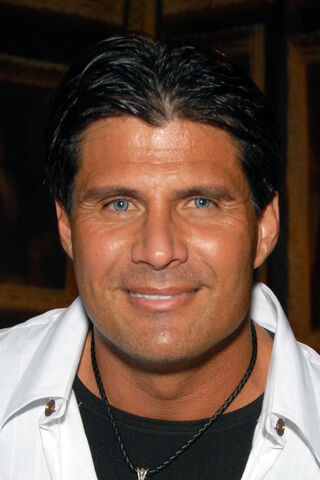 File:Jose Canseco 2009.jpg