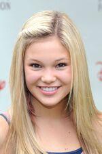 Olivia Holt3