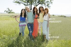 Ross-lynch-and-bella-thorne-gallery