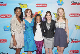 Debby+Ryan+Laura+Marano+2012+13+Disney+Channel+GS1ilGTo8axl