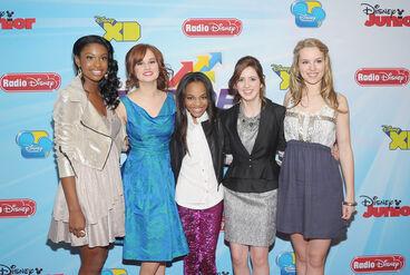 Debby+Ryan+Laura+Marano+2012+13+Disney+Channel+GS1ilGTo8axl