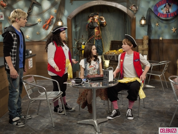 Austin and ally start dating episode