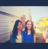 3-2-1-Acting-Alexa-stars-wth-Ross-Lynch-and-Laura-Maurano