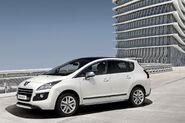 Peugeot-3008-Hybrid4-8