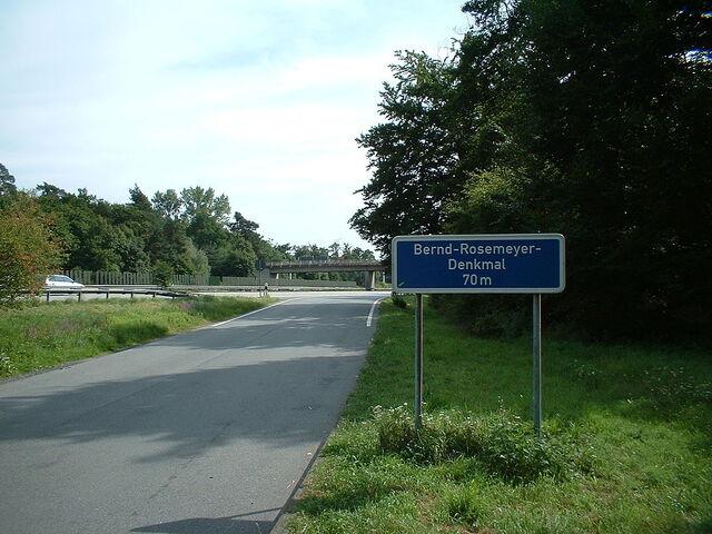 File:Bernd-Rosemeyer-Denkmal-1.JPG