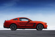 2012-Ford-Mustang-Boss-104