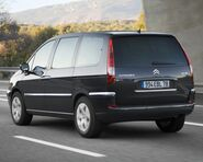 New-citroen-c8-back