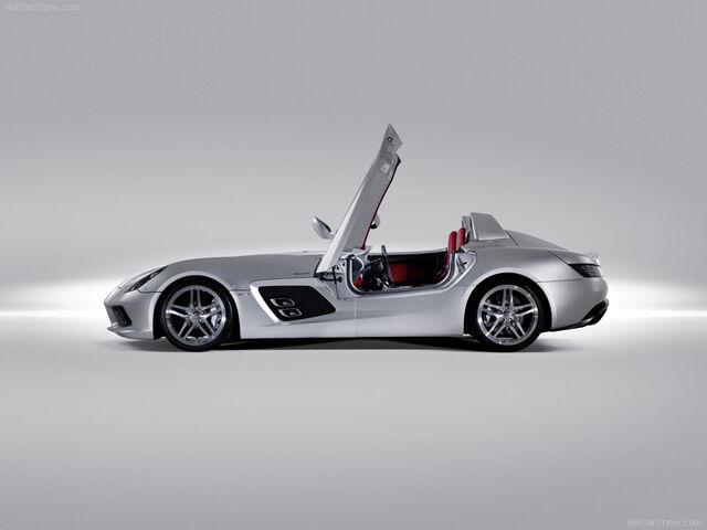 File:Mercedes-Benz-SLR Stirling Moss-2009-800-10.jpg