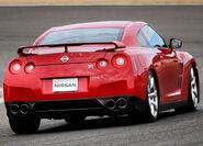 Nissan-GT-R 2008 17
